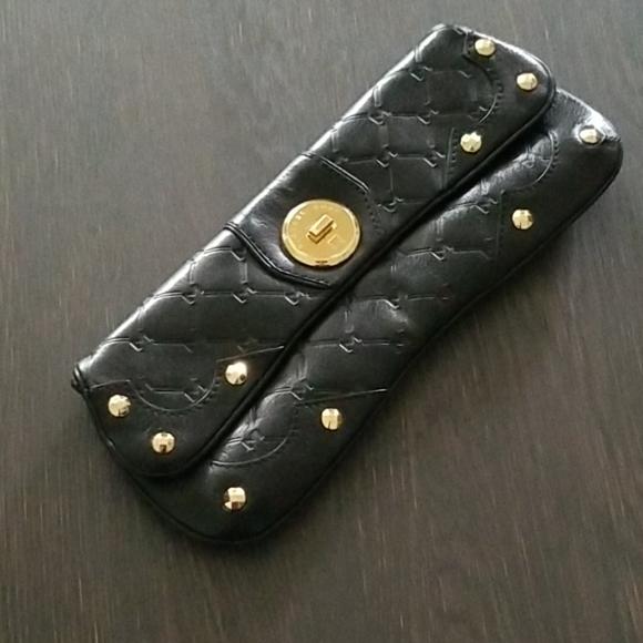 Michael Kors Handbags - Michael Kors crossbody clutch